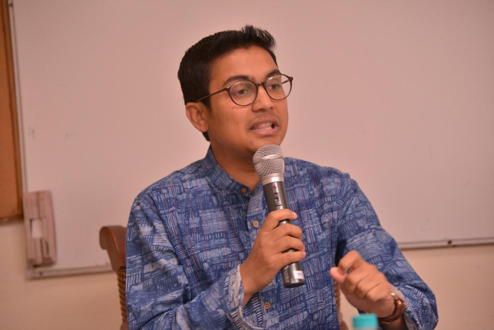 Author-Deepak-Ramola-1