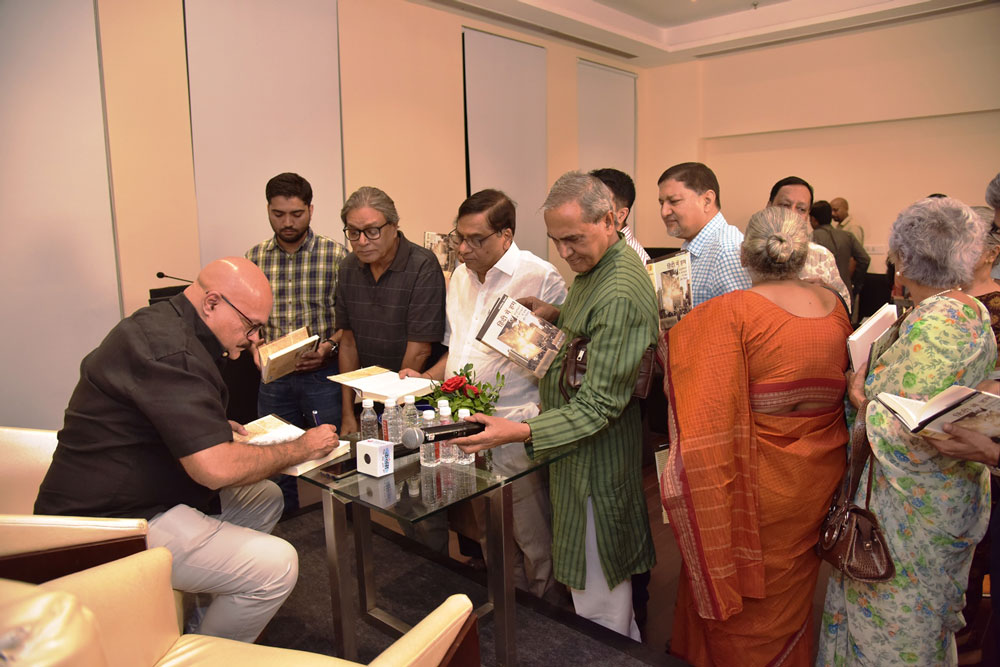Book-Signing-by-Guest-Author-Abhay-Kumar-Dubey-for-the-guests