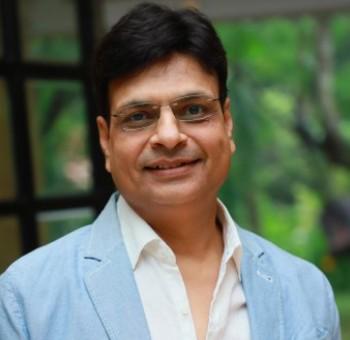 Irshad Kamil-Author