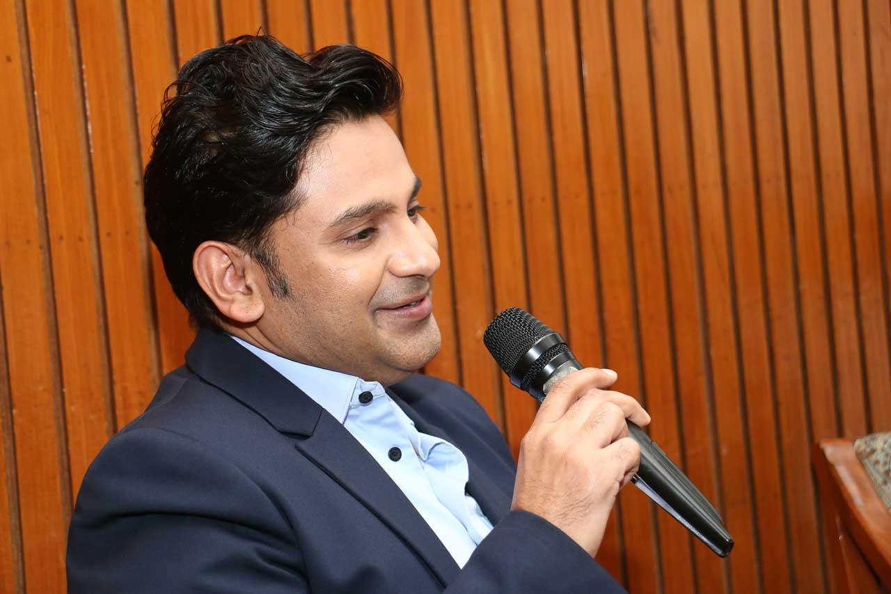 Manoj-Muntashir--Author