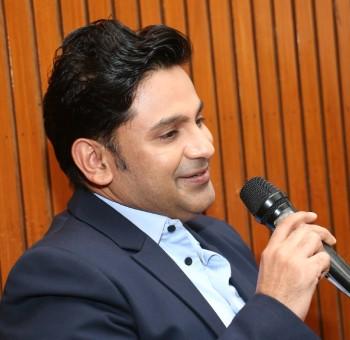 Manoj Muntashir- Author Delhi