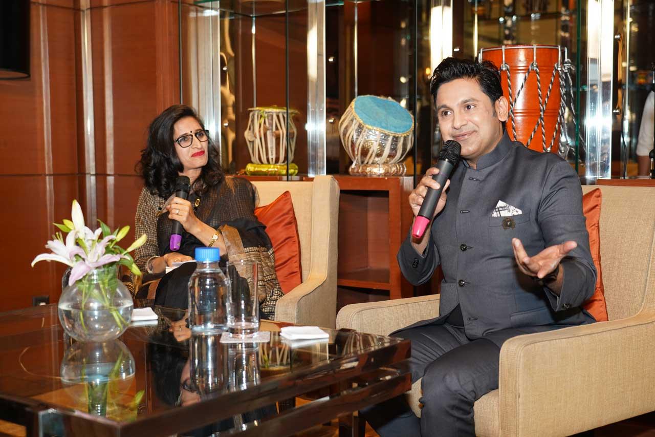 Sarita-Malik-in-conversation-with-author-Manoj-Muntashir