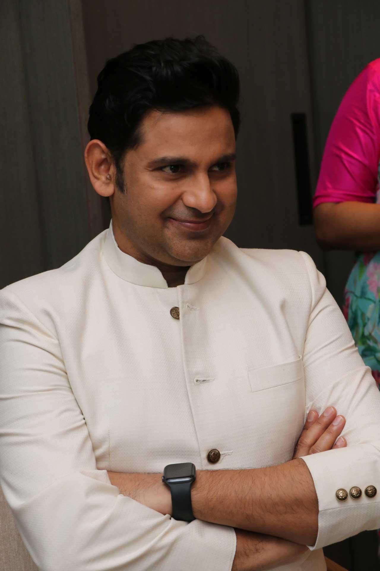 Manoj-Muntashir-Author