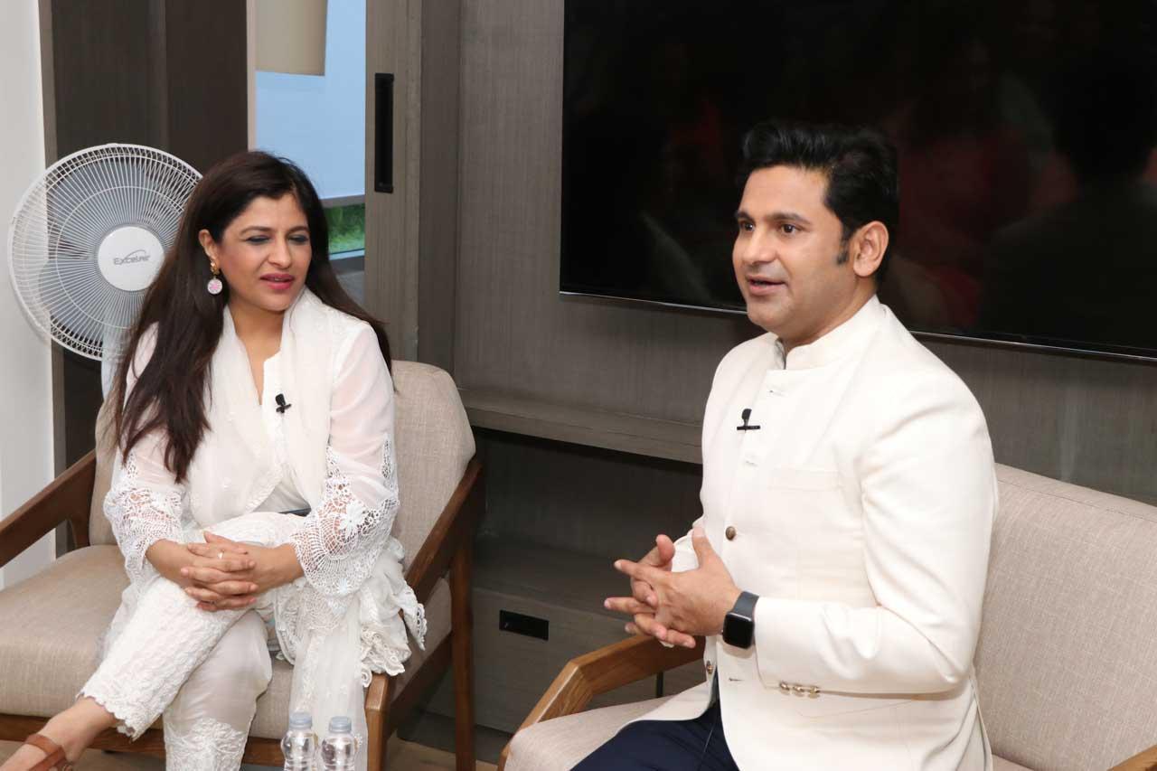 Manoj-Muntashir-in-conversation-with-Shazia-Ilmi-Ehsaas-woman-of-Delhi-1-1