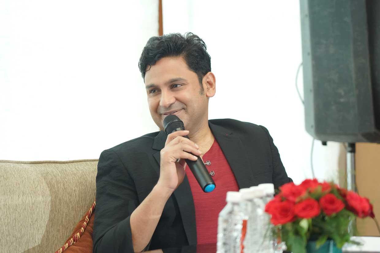 Author-Manoj-Muntashir