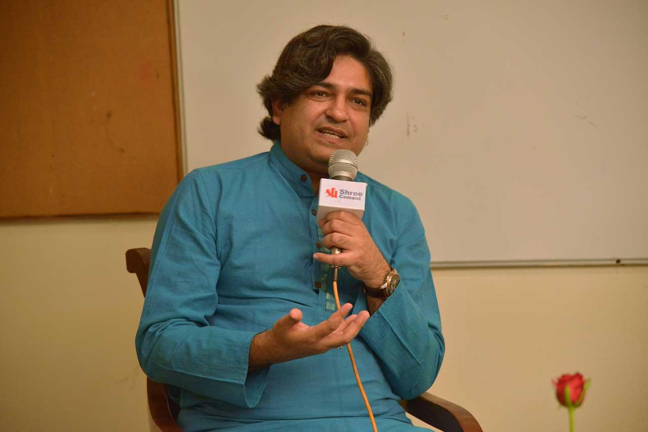 Author-Naveen-Choudhary-1