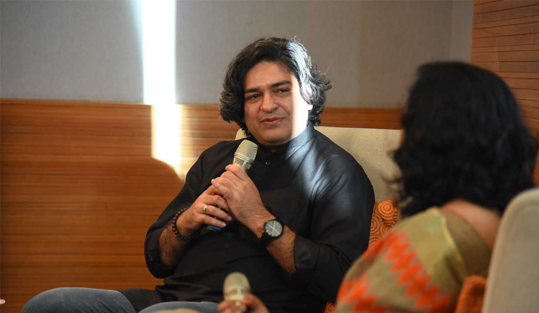 Author-Naveen-Choudhary-2
