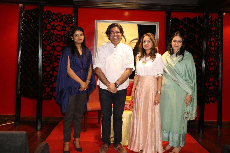 Author-Naveen-Choudhary-with-Ehsaas-women-of-Udaipur-Ms.-Riddhima-Doshi-Ms.-Swati-Agrawal-Ms.-Shraddha-Murdia
