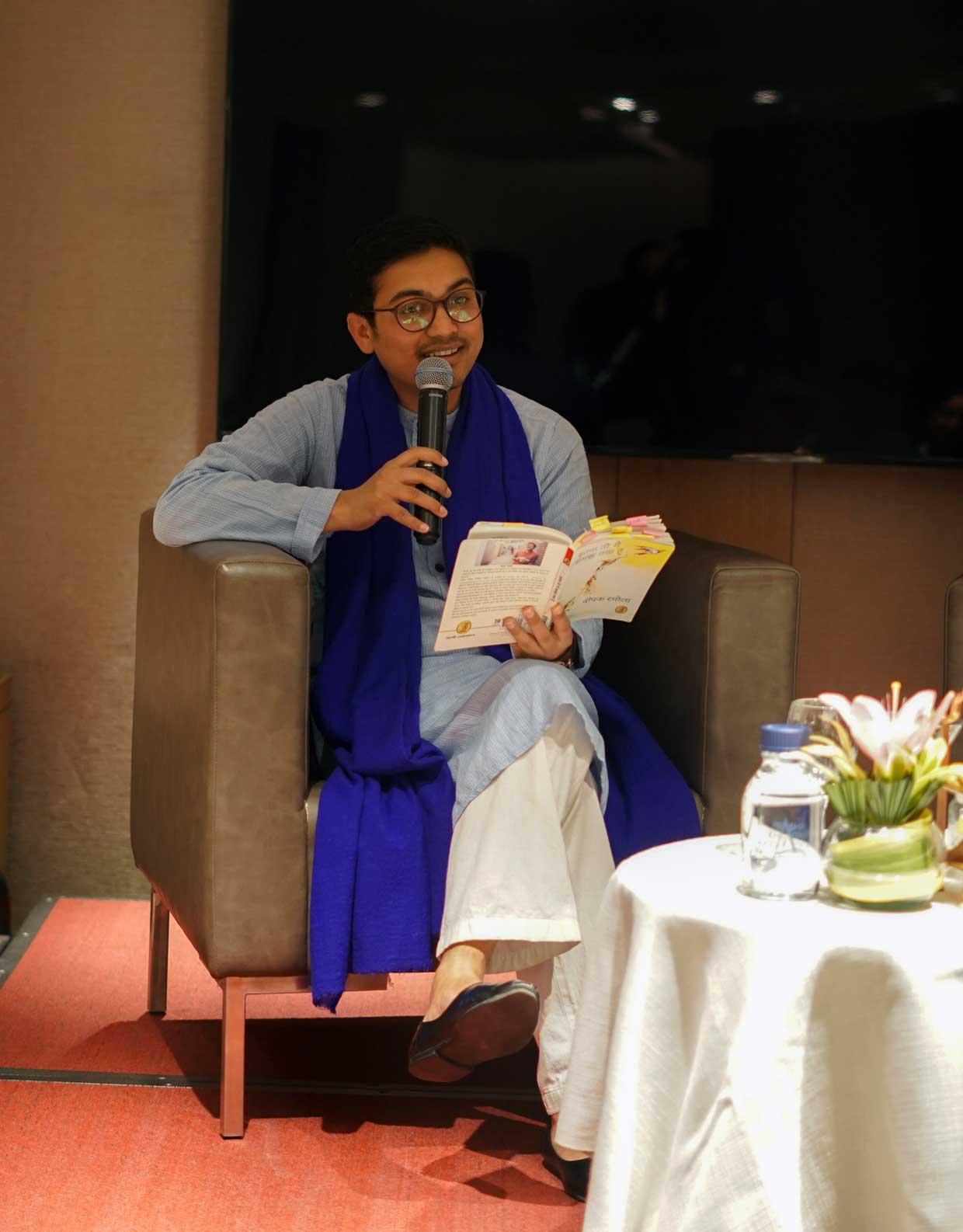 Deepak-Ramola-Author