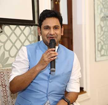 Manoj-Muntashir-8